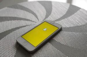 Evan Spiegel, Snapchat'ten para kazandıracak planlarını açıklıyor
