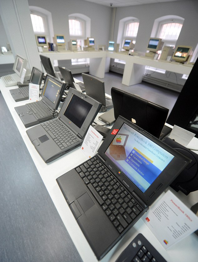 : MOSCOW, RUSSIA. FEBRUARY 27, 2012. Laptop computers on display at a privately-owned museum of Apple IT equipment. (Photo / Alexandra Mudrats)