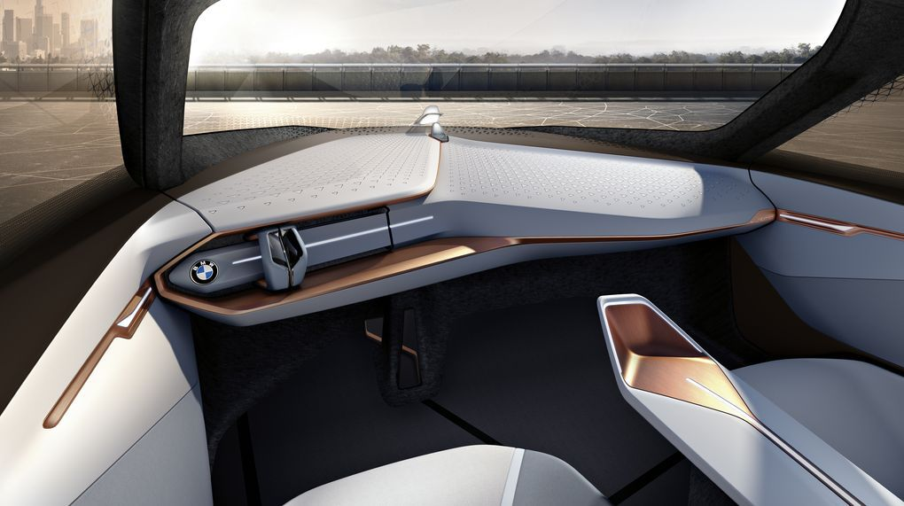 BMW Vision Next 100-1